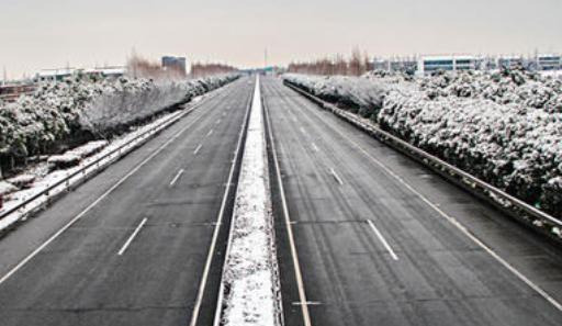 降雪天氣如何安全駕駛 高速交警發布出行提示